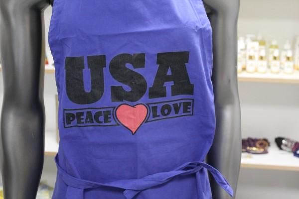 """Original Kochschürze von Aouyash """"USA Peace ♥ Love"""" aus der Show vom 15.11.2020"""